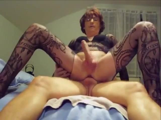 Transvestite enjoys being fucked Bgr hookup tayo chords ukulele hallelujah