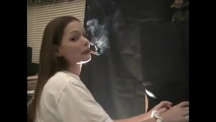 Lynn smoking... Amber Peach Anal