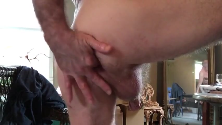 Hairy daddy sweet finger (with slut hole) Women with dildo in cunt