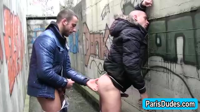 Euro gays rim and finger outdoor ass black gay streaming video bareback