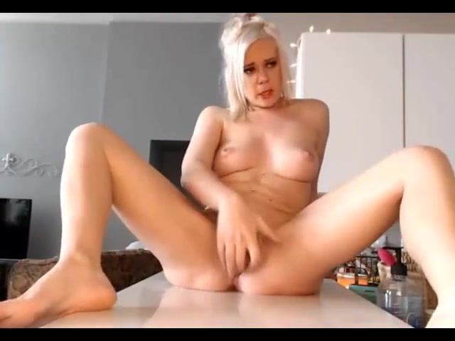 Blondi whit super squirt Sexy white girls showing pussy