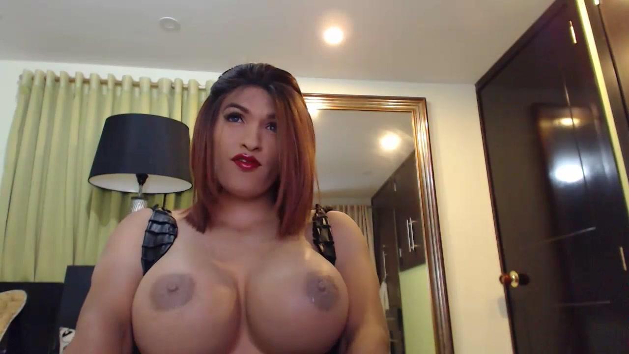 Laurasofia Massive Creamy Cock Huge Tits women in latex sucking cock