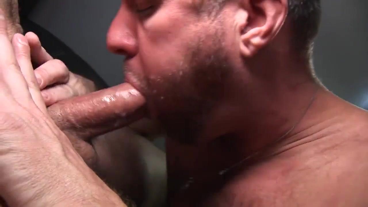 TS Gay Porn ( New venyverastres ) 12 Girls fucking guns porn