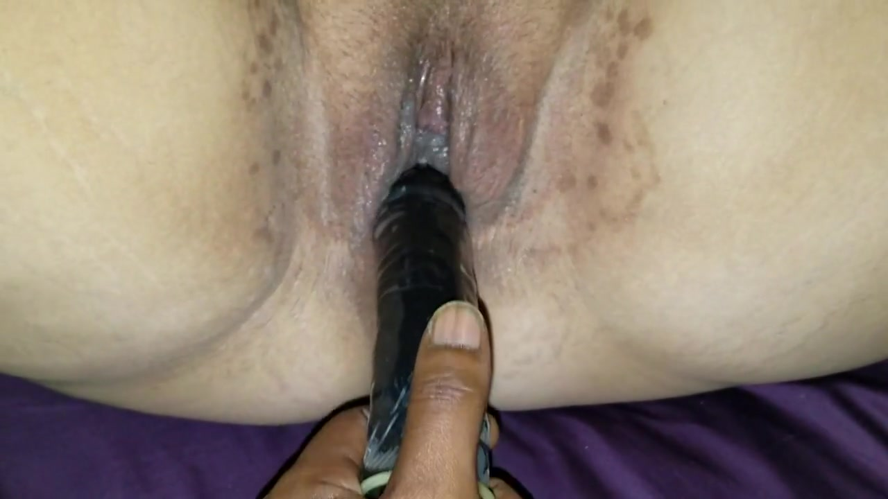 PULSATING ORGASM ON DILDO THEN SHE SQUIRTS ALL OVER MY DICK Seks Myanmar