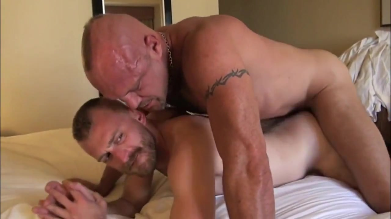 Gay Porn ( New venyverastres ) 39 mom teaching daughter how to fuck