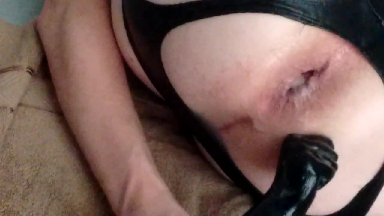 Playing with my new toys !! Deep throat for stripper by CFNM amateur