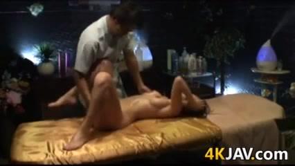 Asian Girl Gets A Massage And Fingering Younger women older men sex