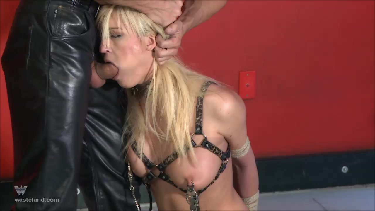Wasteland Video: Punishment Incorporated: Heather Brazen girls fisting and squirting outdoors