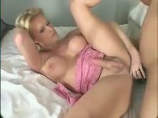 Sexy Shemale Properly Fucked 3 shemale videos porno graca