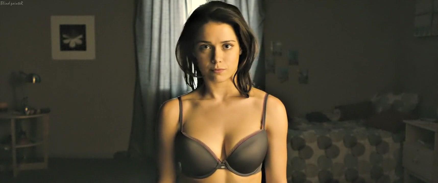 Girlhouse (2014) Ali Cobrin Jessica parker kennedy nude scenes