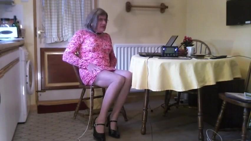 Johanna pink dress estim Movin tits gifs