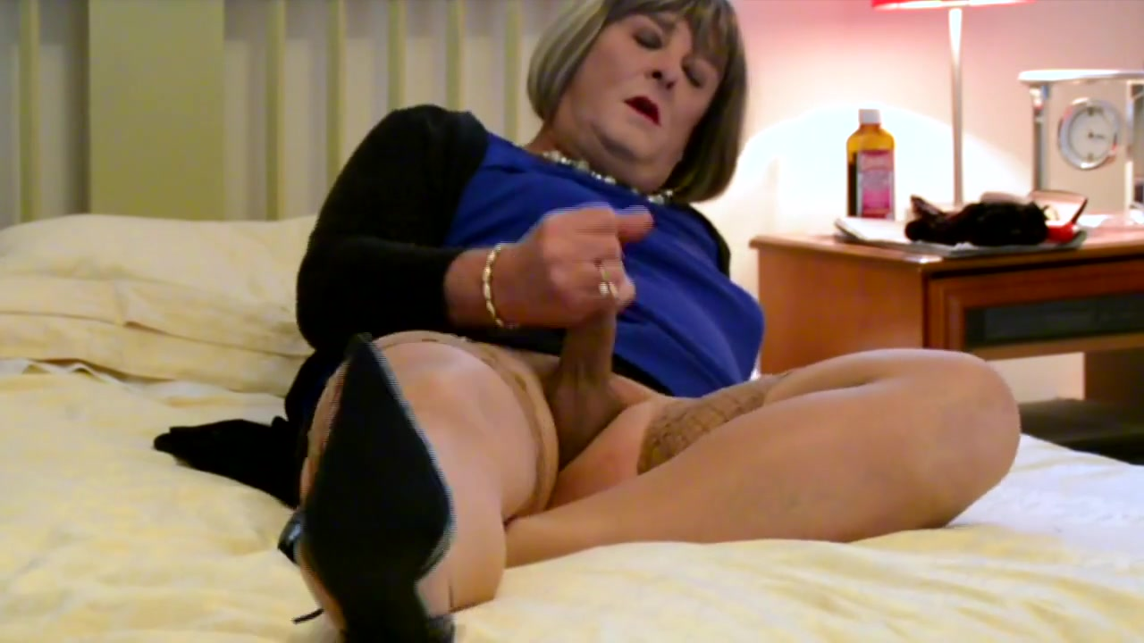CD Carolyn Cums in Stockings - Camera 2 local cleveland girls looking for sex