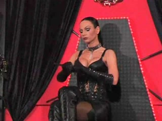 Female-Dom gives a villein a hawt session Meet rich people
