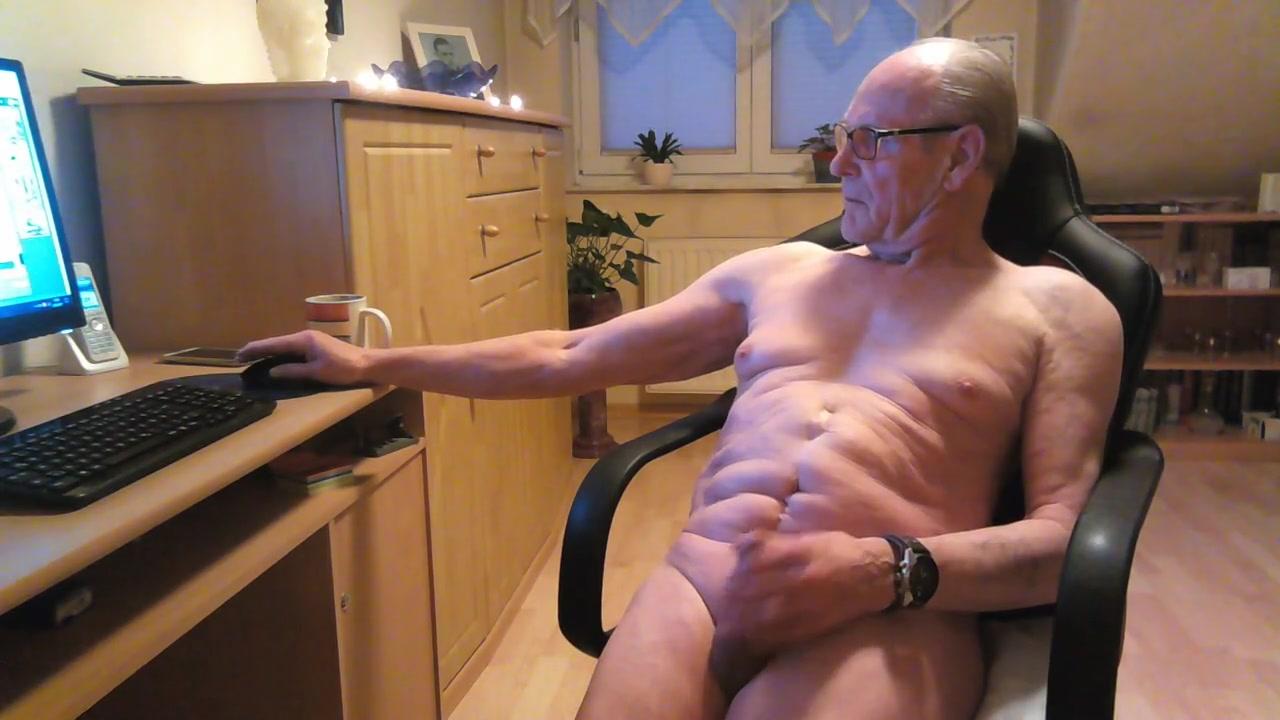 Immer wieder wichsen morges mittags abends Chubby milf in webcam
