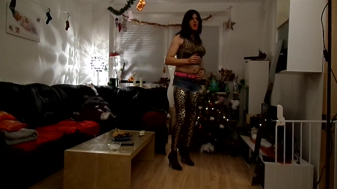 Sandralein smoking and dancing in leopard leggins and jeans film complet francais porno