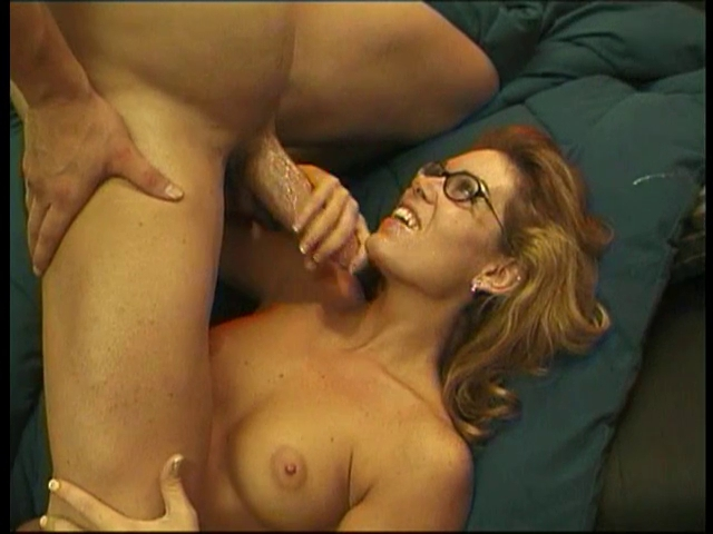 Immoral slut getting her coochie screwed Milf With Guys