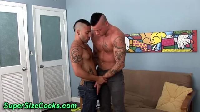 Muscly hunks suck big dicks deep throat the porn