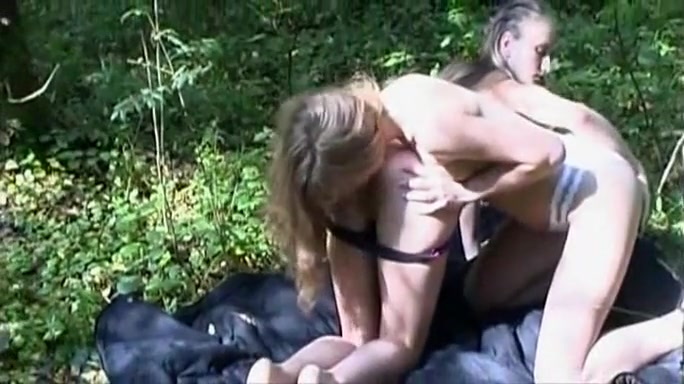 Exotic Skinny, Outdoor adult movie
