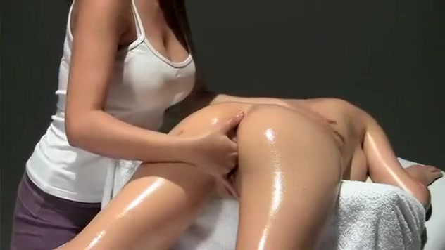 Crazy Fake Tits, Massage sex scene