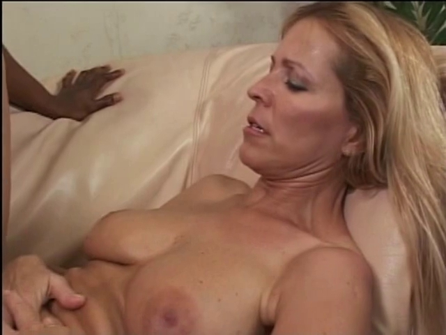 fake spy redhead gives old boyfrend head in bath girls cooking nude videos