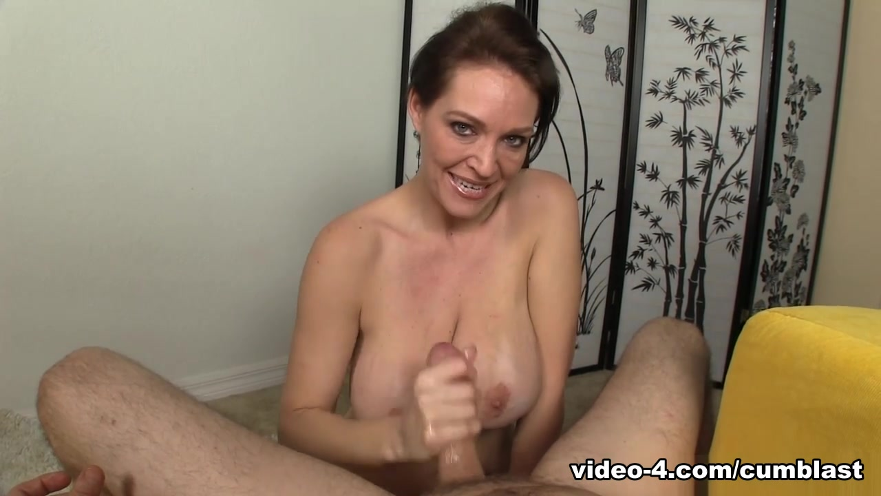 Jizz Milked Mom - CumBlastCity Horny to the max chicks organize sex session