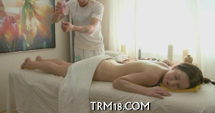 Pleasuring chick with massage