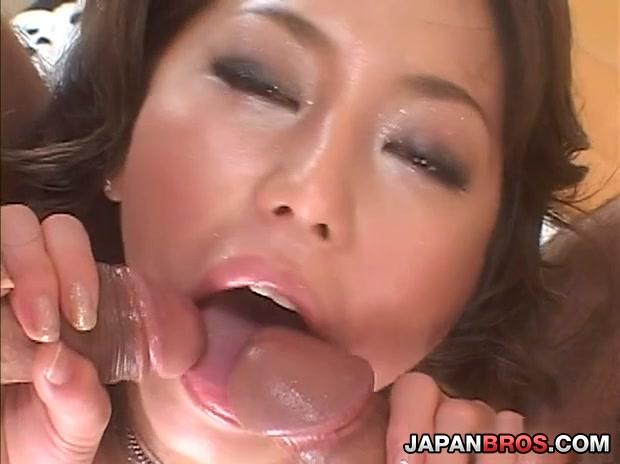 Wild and sexy Nanami Fujisaki rides dick