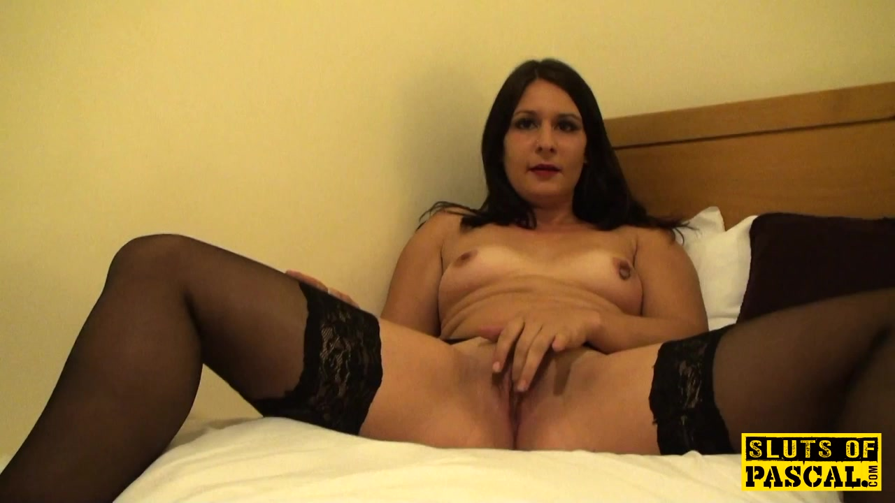 Filthy uk skank rubbing her clit until orgasm Fuck angel dark