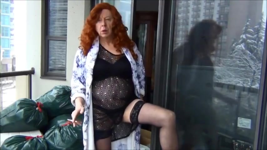 Naughty Gigi is a naughty redhead in black Bengali hot girl pic