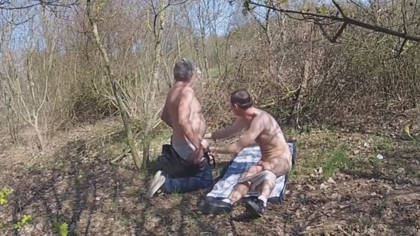 DRAGUE DANS BOIS Free nude videos girls