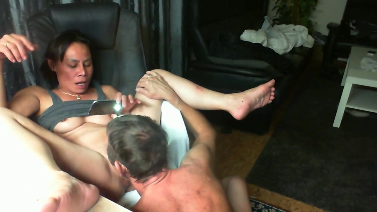 BENC HAWAN 1 naked hot body
