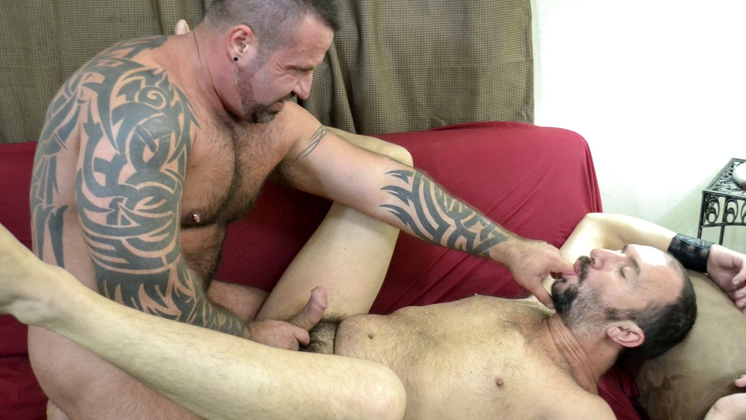 Marc Angelo and Frankie Rogers - BearFilms Who to tell if a girl likes you