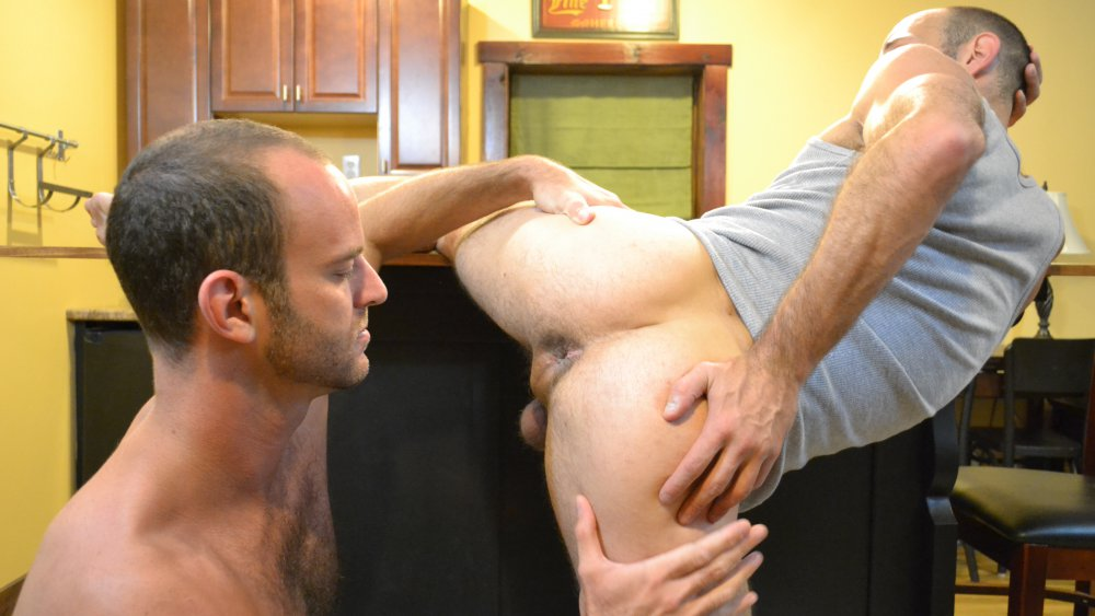 Jayden Brooks and Aaron Cedar - BarebackThatHole my first deep throat