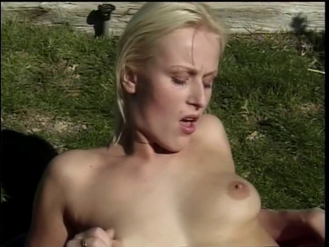Scorching golden-haired receives drilled and facialized outdoors How to respark a relationship with a girlfriend