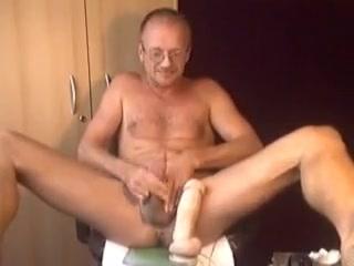 HARRI LEHTINEN WANKING MANPUSSY TOYING AND SELF-CUMEATING! Elay smith huge tits