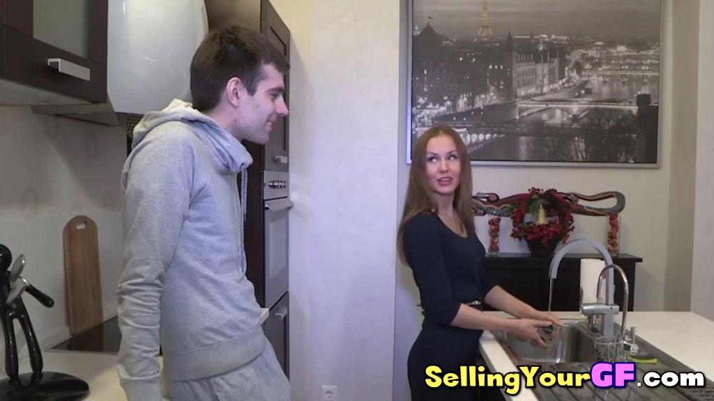 Girfriend fucks guy to earn some money Mon fantasme de femme mature
