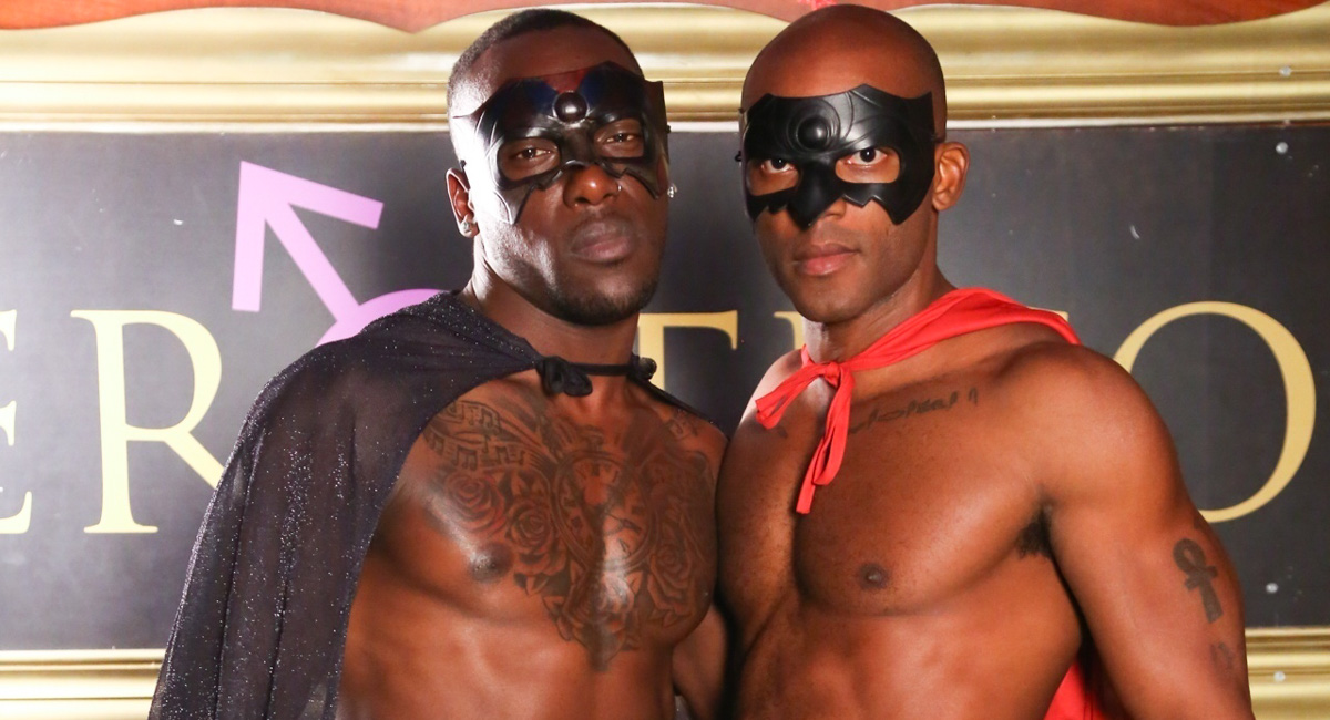 Osiris Blade & Leo Brooks in Phantom Of Allure - NextDoorEbony Britney spears nude in car