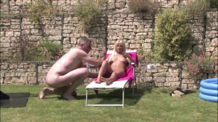 Mistress keeps Slave in the garden Tajikistan single women
