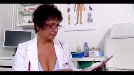 Greta enfermera jalandosela a un sujeto y se viene en sus tetas Amateur red heads big tits xxx best xxx pics