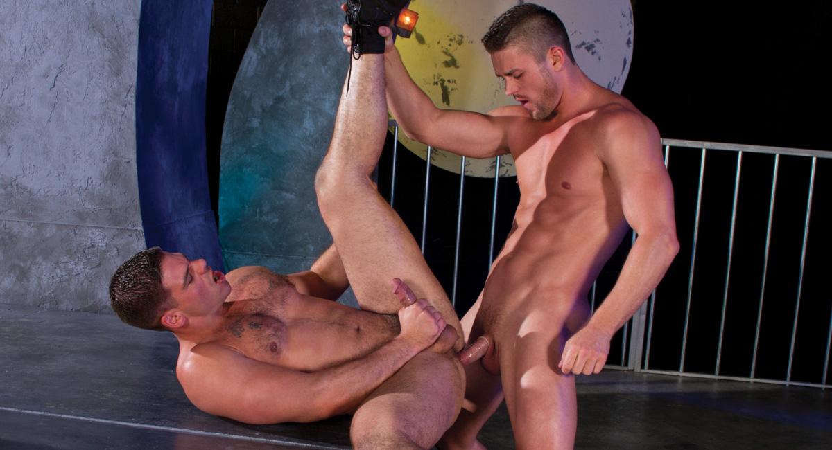 Derek Atlas & Ryan Rose in Magnums, Scene #02 - HotHouse Do latinas like white guys