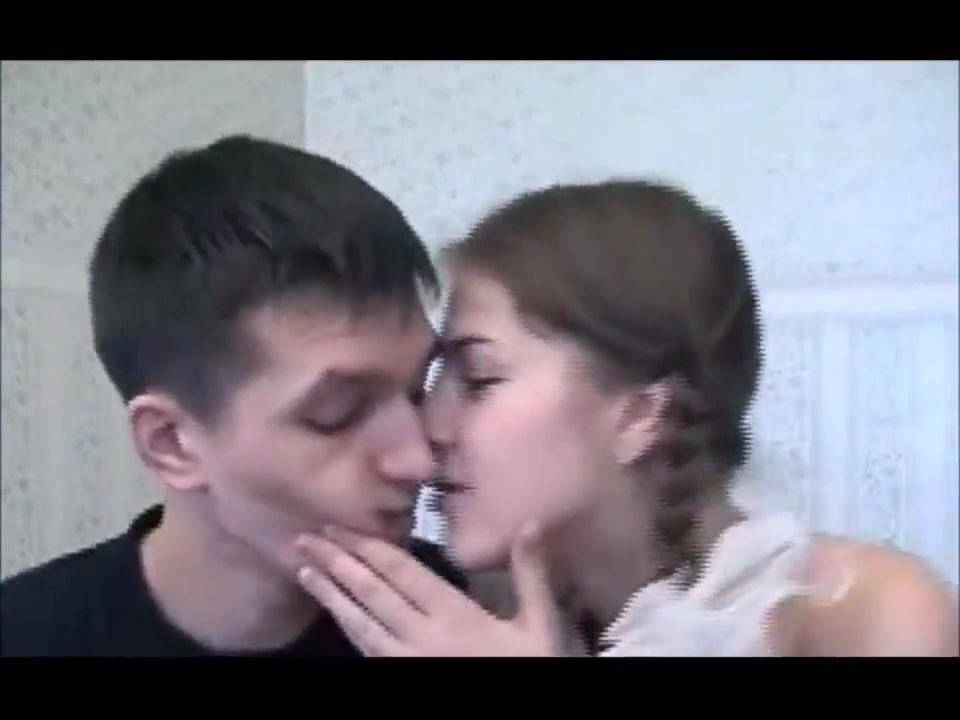 Home porn studio - the girl seduced the guy Natural boobs tanktop