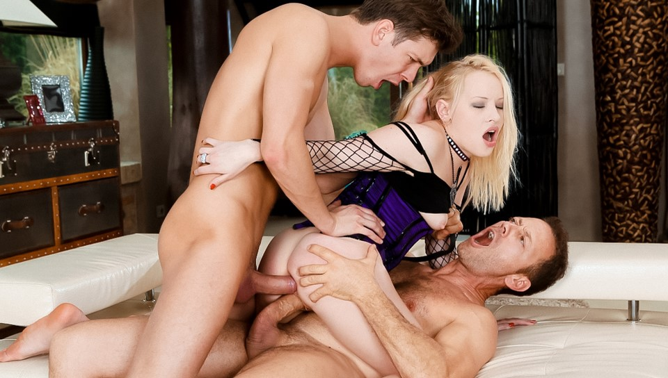 Lola Taylor & Rocco Siffredi & Markus Dupree in Perfect Slave Double Penetrated - RoccoSiffredi Wet pornstars dancing erotically