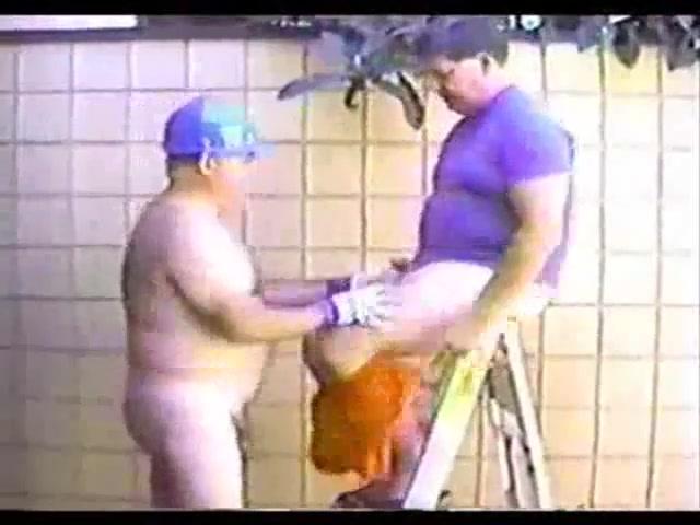 Younger men sucking a mature old men s cock Faceboo9ki