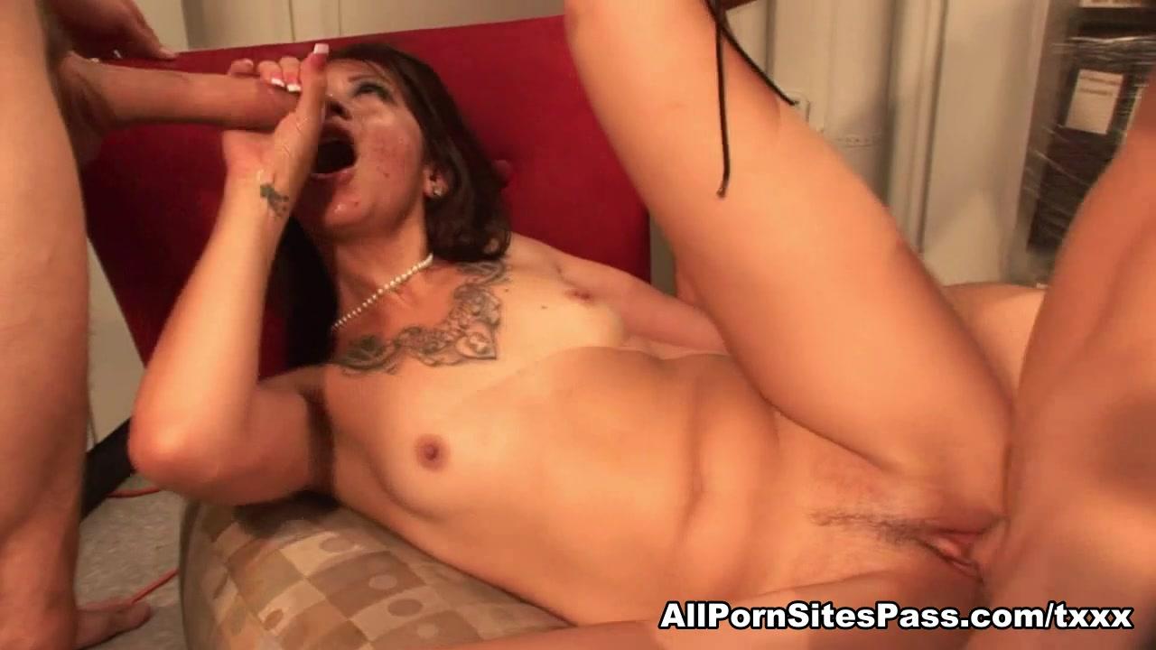 Coco Velvett in Groupsex Video - AllPornsitesPass Petile Ass