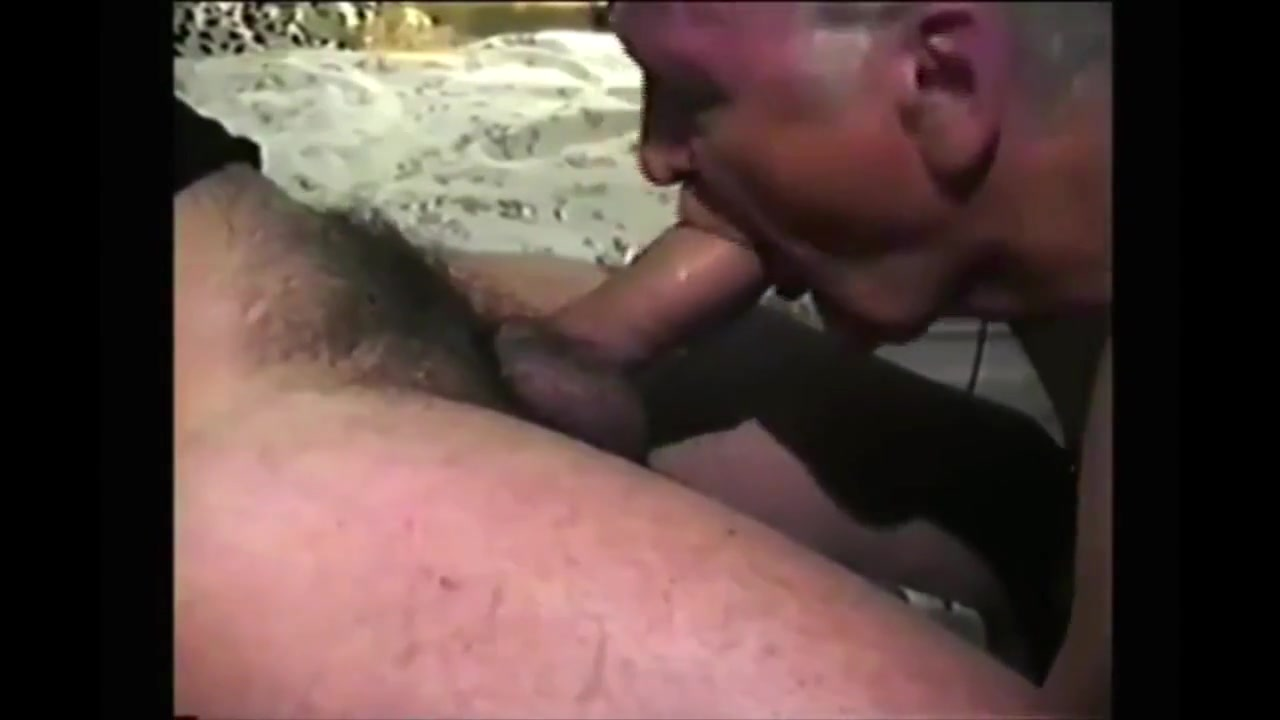 Grandpa giving a gumjob Retro nylon photos