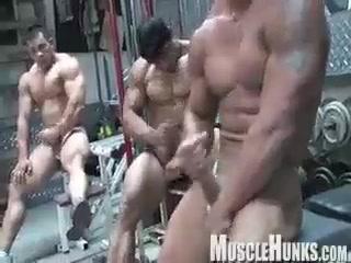 Bodybuilders JO nude country singer