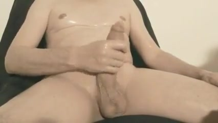 Robin jerks his shaved oiled uncut monstercock 145 hard and fast sex