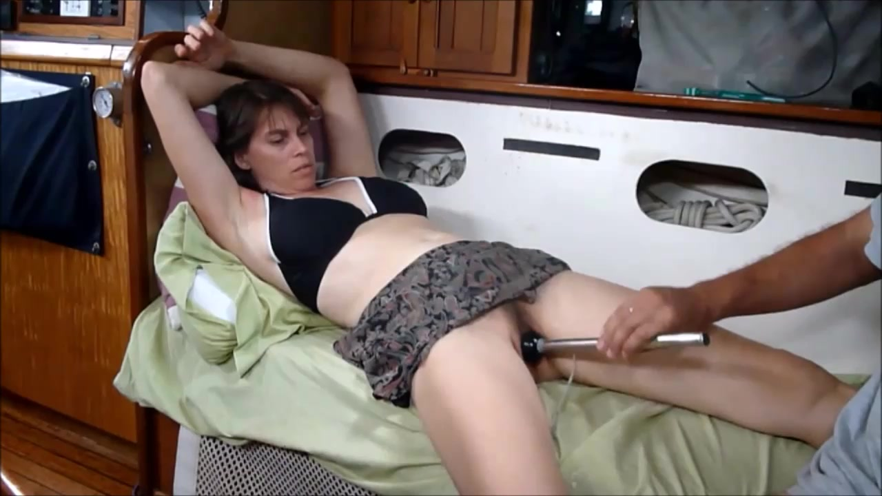 Mature Amateur Hottie Masturbating