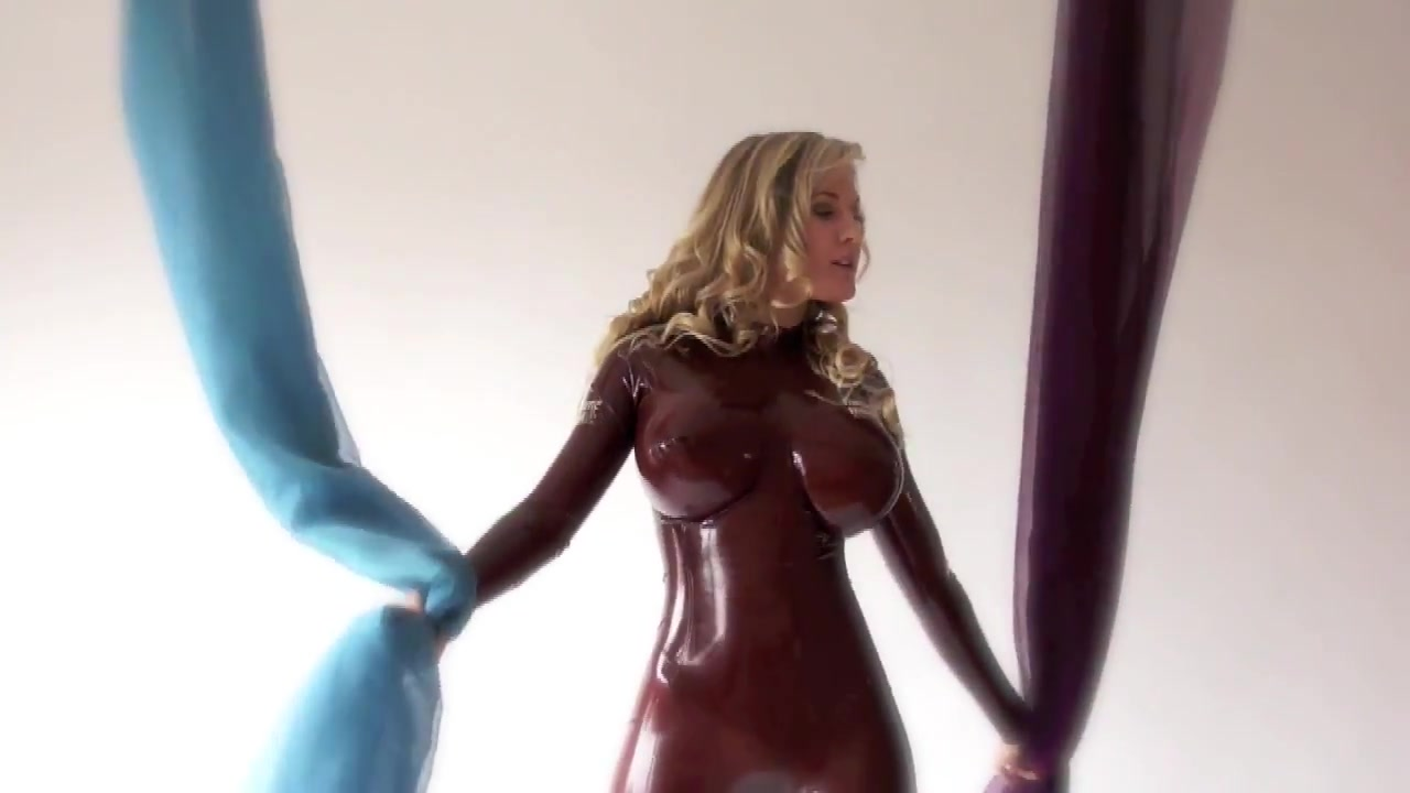 Latexs model with fake tits posing Showing porn images for sara luvv love porn