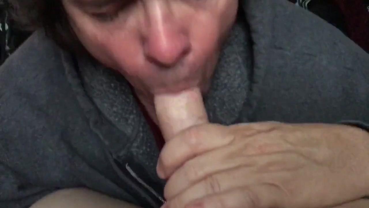 Sucking an 18yo cock part3 Voyeur girl in the shower